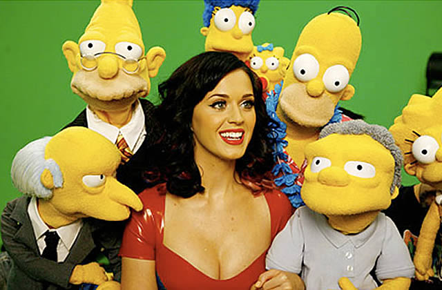 Katy Perry en robe latex chez les Simpson
