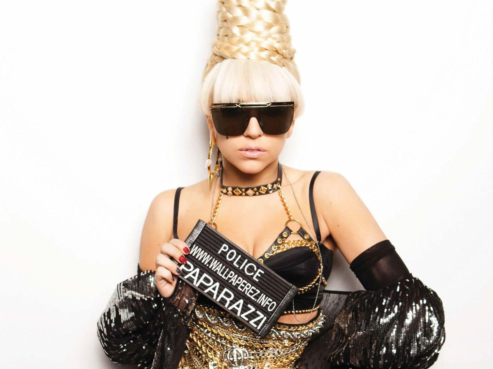 La neige ruine le concert de Lady GaGa à Paris !