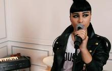 Natalia Kills chante Mirrors piano-voix