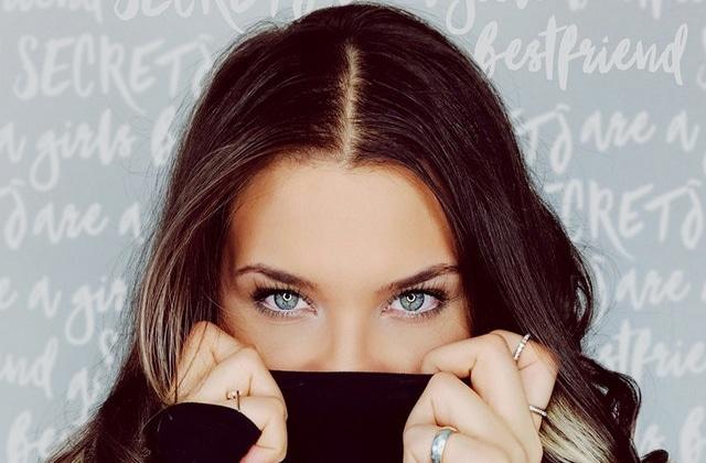 Couleur cheveux yeux gris