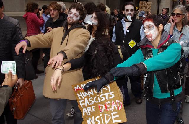 Quelques photos de la Zombie Walk Paris 2011