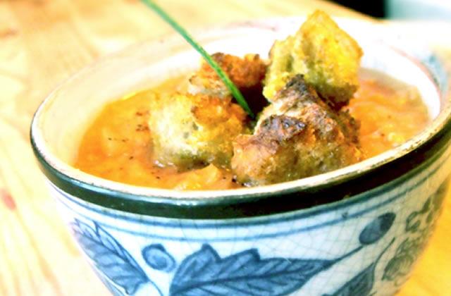 Recette De La Soupe De Lentilles Corail Lait De Coco Et Croutons Au