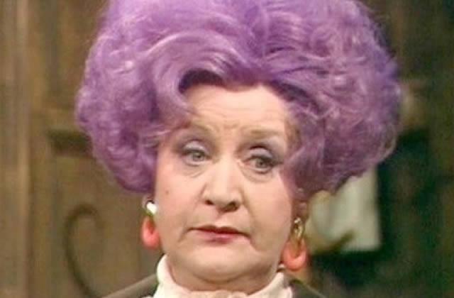 Le mystère des vieilles dames aux cheveux mauves