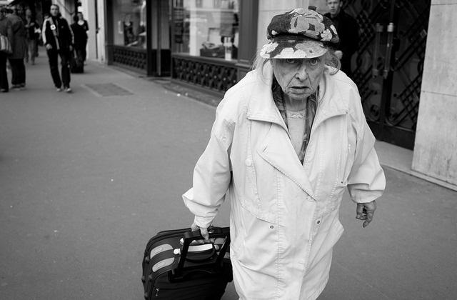 Comment troller les vieilles personnes antipathiques ?
