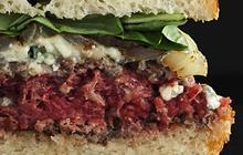 «Hamburger Gourmet», le livre de recettes qui donne faim