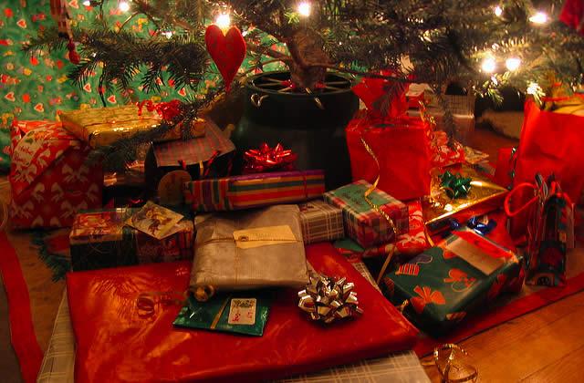 """Résultat de recherche d'images pour """"cadeau de noel"""""""