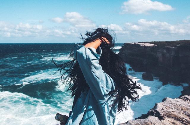 Comment apporter de la brillance à ses cheveux ?