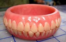 Les accessoires dentier – WTF mode