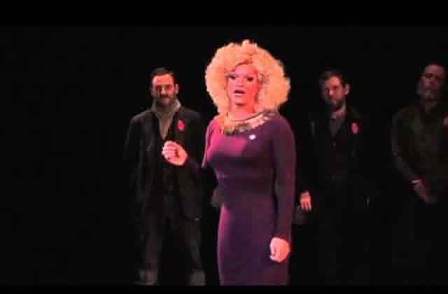 Le discours inspirant d'un drag queen contre l'homophobie