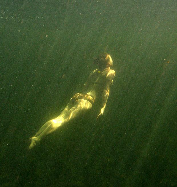 femme-sous-eau