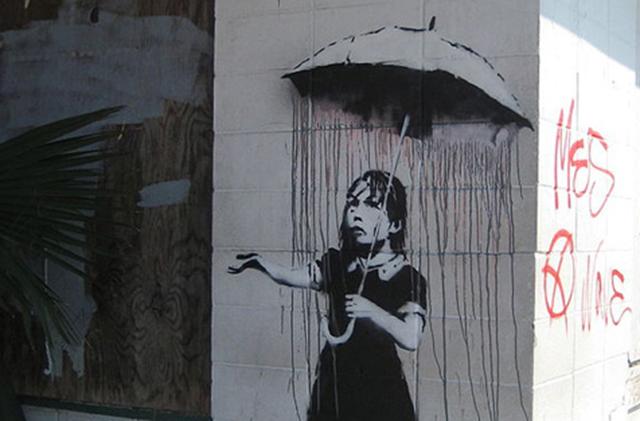 Sobre, il essaie de voler une oeuvre de street art au marteau piqueur