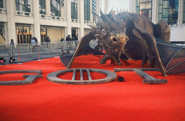 Game of Thrones amène un dragon grandeur nature à New York