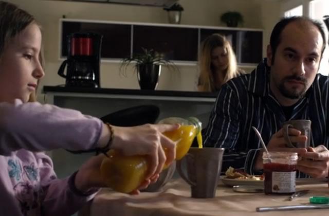 Kyan Khojandi dans Monsieur Tout Le Monde, le génial clip de BigFlo et Oli