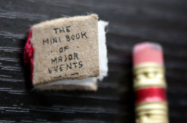 The Mini Book of Major Events, un adorable livre miniature