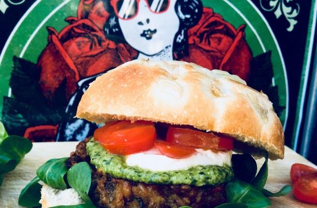 East Side Burgers ressort le mad Burger, vendredi 9 et samedi 10 mars!
