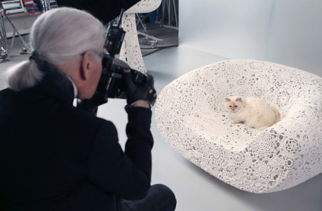 La chatte de Lagerfeld inspire une collection de maquillage
