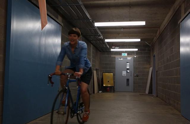 Comment faire du vélo en jupe sans dévoiler sa culotte ?