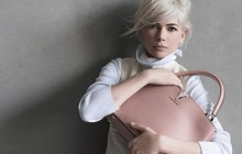 Michelle Williams devient égérie des sacs Louis Vuitton