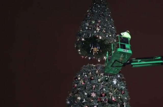 Les coulisses de la magie de Noël à Disney en vidéo