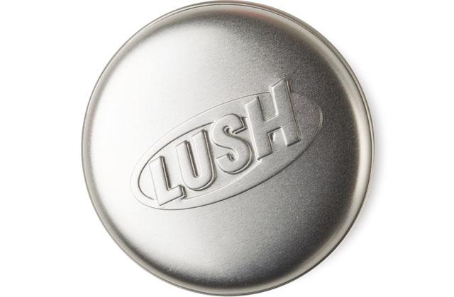 Lush sort de nouveaux shampoings solides