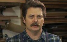 Nick Offerman (Ron Swanson) fait des emojis en bois