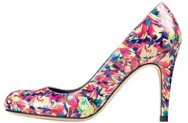 Anne Valérie Hash dessine une collection de chaussures pour Minelli