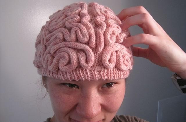Le bonnet en laine cerveau — Idée cadeau pourrie