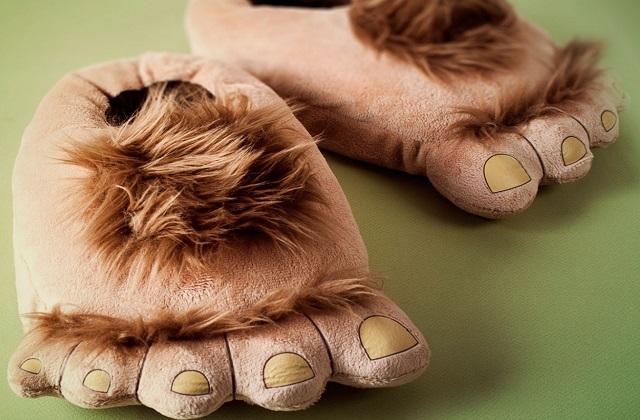 Les chaussons Hobbit — Idée cadeau pourrie
