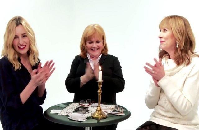 Les actrices de Downton Abbey jouent à « Cards Against Humanity », le jeu le plus drôle du monde