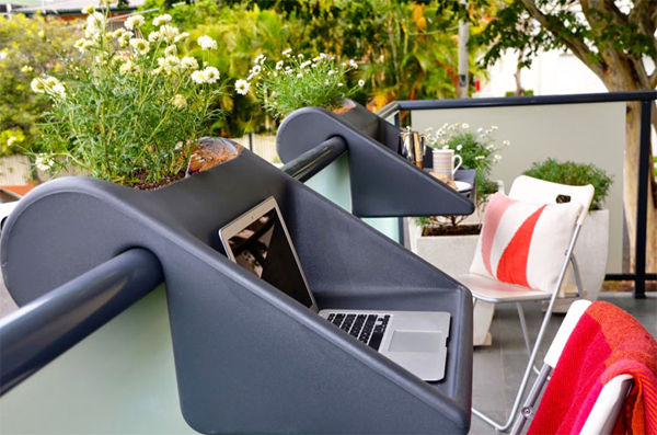 balkonzept-a-balcony-desk-and-flower-box-3984