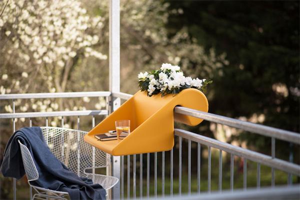 balkonzept-a-balcony-desk-and-flower-box-5007