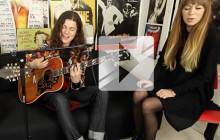 BØRNS chante « All I need is you (10,000 Emerald Pools) » en acoustique