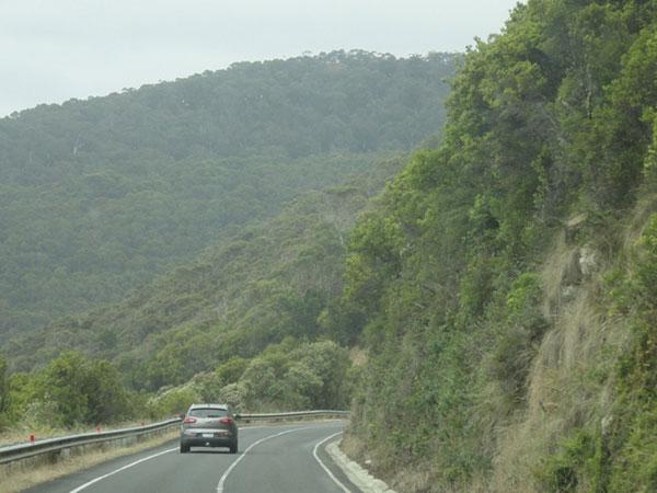 australie-road-montagnes