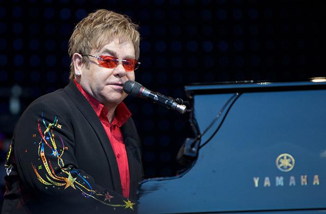 Elton John boycotte Dolce & Gabbana, qui a insulté sa famille «non-traditionnelle»