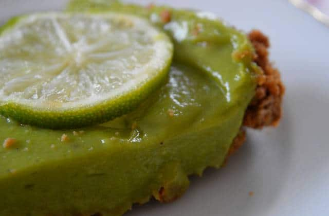 Gâteau à l'avocat et au citron vert — Recette onctueuse