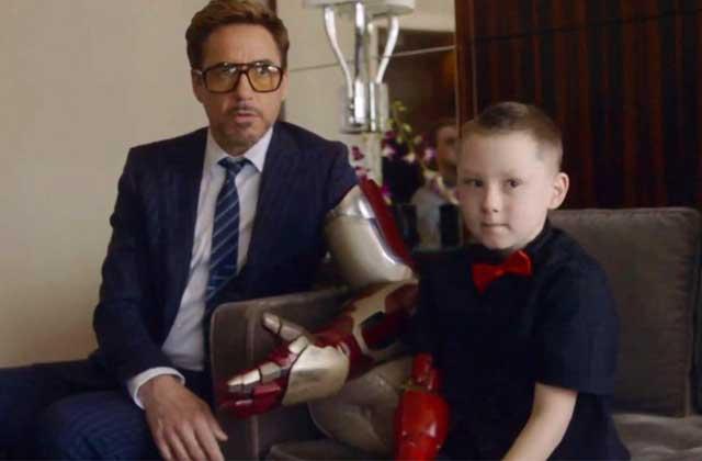 Robert Downey Jr offre un bras bionique à un enfant handicapé