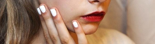 tendances-maquillage-printemps-ete-2015-vernis-blanc