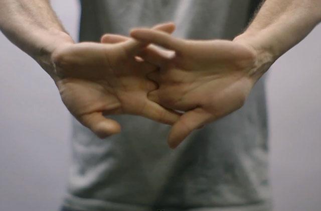 Que se passe-t-il quand on fait craquer ses doigts ? La réponse en vidéo