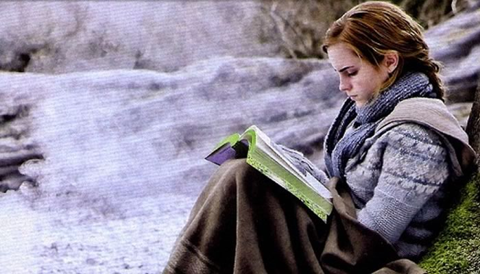 hermione reading harry potter