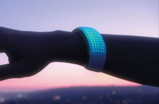 Elemoon, le bracelet lumineux et connecté