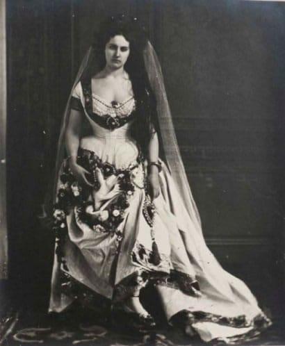 comtesse-castiglione-robe-dame-de-coeur