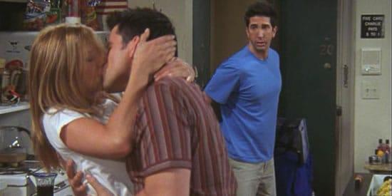 friends rachel joey kissing ross