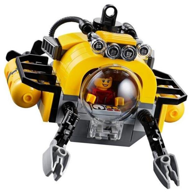 lego-femmes-sous-marin