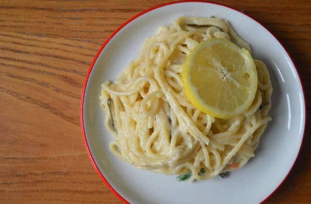 « One pot pasta » crémeuse au citron — Recette tout-en-un