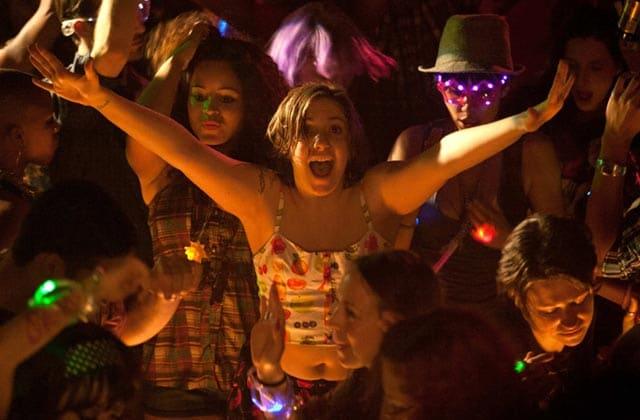 Trois idées de playlists pour ambiancer vos soirées