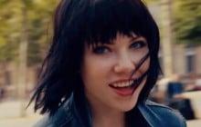 Carly Rae Jepsen sort «Run Away With Me», un nouveau clip pour frétiller de bonne humeur