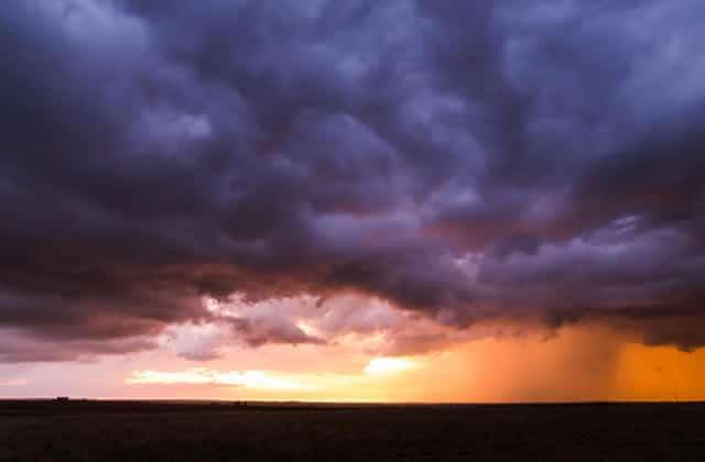 Un chasseur de tempêtes réalise une incroyable vidéo en time-lapse