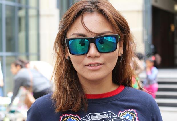 gennie-rappeuse-lunettes-soleil