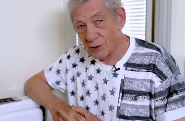 Ian McKellen t'apprend à faire des oeufs brouillés