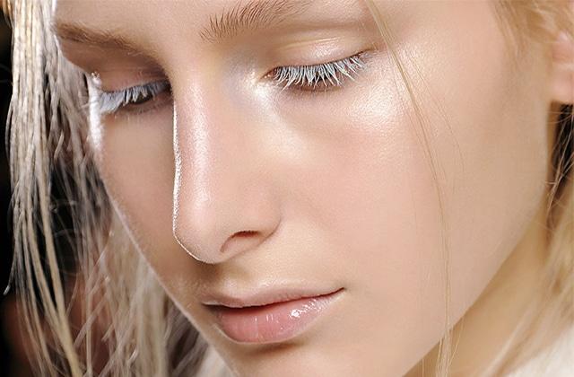 Le «strobing», la nouvelle tendance du teint ultra-lumineux